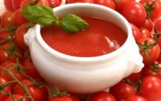 Best and easy tomato sauce recipe! Easy Homemade Tomato Soup, Easy Tomato Sauce, Easy Homemade Pizza, Snacks Homemade, Rice Recipes, Indian Food Recipes, Chicken Recipes, Vegetarian Recipes, Sauce Tomate Simple