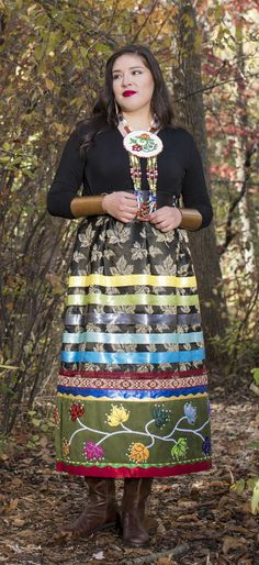 Ideas Skirt Design Inspiration Style For 2019 Native American Clothing, Native American Fashion, Native Fashion, American Women, American Indians, Traditional Skirts, Traditional Outfits, Band Shirt, Navajo