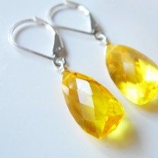 NEW! Lemon yellow pyramid cut earrings and matching necklace. Shop the spring warmup sale and save 10% . #jewelry regular earwires are available as well as these leverbacks.