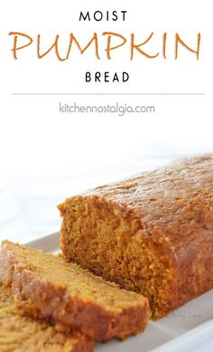 Pumpkin Bread Moist Pumpkin Bread - see what is the trick to keeping it super moist! - Moist Pumpkin Bread - see what is the trick to keeping it super moist! Köstliche Desserts, Delicious Desserts, Dessert Recipes, Yummy Food, Fall Baking, Holiday Baking, Fall Recipes, Holiday Recipes, Moist Pumpkin Bread