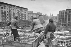 The bricklayers putting up a building, Moscow, May 1947
