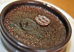 Ünlü Fransız tatlısı krem brulee (creme brulée) için farklı tarifler de denenmekte. Baylan Pastanesi'nin mutfak şefi Tim Briggs'in hazırladığı çikolatalı...