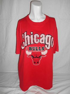 Vintage red t shirt tee tshirt  Chicago by ATELIERVINTAGESHOP, $50.00