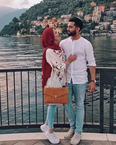 22 new Ideas for travel couple hijab Couple Hijab, Couple Outfits, Cute Muslim Couples, Cute Couples Goals, Couple Goals, Couple Style, Muslim Brides, Muslim Women, Muslim Fashion