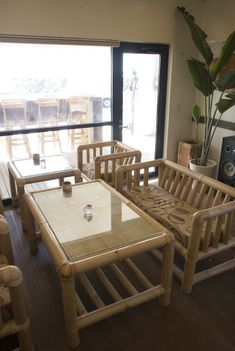 Cane Furniture, Bamboo Furniture, Furniture Design, Bamboo Sofa, Bamboo House Design, Townhouse Interior, Bamboo Architecture, Bamboo Crafts, Decoration