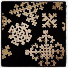 Snowflakes hama perler by froekendings