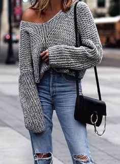 You love your sweater because it's a cozy classic. But did you know it's a closet fashionista? These fall outfit ideas are proof. A sweater dress is a perfect outfit for the cold days. Looks Street Style, Looks Style, Look Fashion, Fashion Outfits, Womens Fashion, Fashion Trends, Fall Fashion, Ladies Fashion, Fashion Ideas