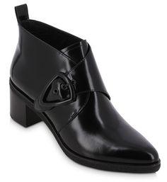 Low boots Boyish
