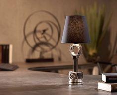 Die einzigartige Lampe für Fahrzeugenthusiasten. Elegantes Design aus massiven Maschinenteilen. Jede Lampe ein unverwechselbares Unikat aus reiner Handarbeit.