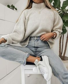 Outfittertrends Outfittertrends The post Outfittertrends appeared first on Kleiderschrank ideen. Source by julissamacgregor moda juvenil Winter Fashion Outfits, Winter Outfits, Jugend Mode Outfits, Vetement Fashion, Cute Casual Outfits, Pretty Outfits, Beautiful Outfits, Teenager Outfits, Outfit Goals
