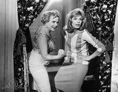 """Melina Mercouri (right) in """"Never On Sunday"""", 1960 Never On Sunday, Great Films, Film Stills, Classic Hollywood, Tv Series, Bodycon Dress, Female, Stars, Lady"""