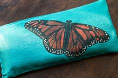 Monarch Butterfly Eye Pillow Lavender and Flax by MonarchTraveler