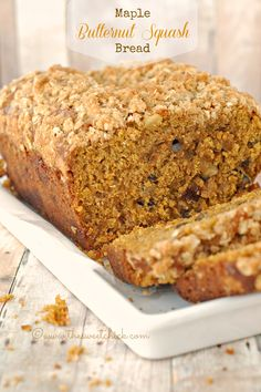 The Sweet Chick: Maple Butternut Squash Bread Butternut Squash Bread, Squash Puree, Acorn Squash, Baking Recipes, Dessert Recipes, Dairy Recipes, Loaf Recipes, Yummy Treats, Yummy Food