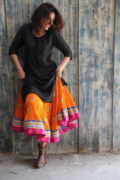 Yellow skirt with an attractive border. Kurti Designs Party Wear, Lehenga Designs, Kurta Designs, Blouse Designs, Casual Indian Fashion, Ethnic Fashion, Boho Fashion, Fashion Outfits, Skirt Fashion
