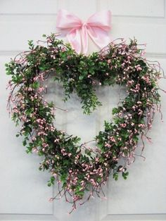 Valentine's Day Heart Wreath ~ With boxwood and pink berries Flowers For Valentines Day, Valentine Day Wreaths, Valentine Decorations, Valentine Ideas, Valentine Crafts, Printable Valentine, Homemade Valentines, Valentine Box, Valentine Nails