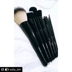 Make up brushes heaven! #radiantprofessional #makeup #makeupbrushes #makeuptools #essentials ・・・ #Repost #Instarepost #Instagram