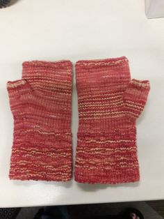 Handwarmers for Ellen - Silver Spun yarn from Feel Good Yarn Company - Sojourn Mitts - pattern design by Robin Sample - made 2/2018