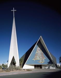 Guardian Angel Catholic Cathedral, Las Vegas, Nevada U. Church Architecture, Religious Architecture, Architecture Details, Modern Architecture, Cathedral Basilica, Cathedral Church, Church Pictures, Houses Of The Holy, Modern Church