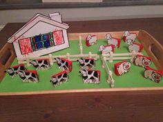 Traktatie voor een verjaardag op de peuterspeelzaal of school. Rozijntjes met plaatjes van Dick Bruna. Een kleine boerderij. Birthday Treats, Toy Chest, Baby Kids, Holiday Decor, Diy, Food, Cherry, Kitchens, Bricolage