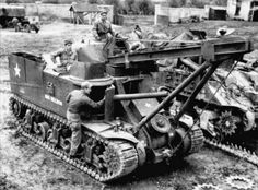 The Sherman ARV Mk.I was the British equivalent of the This one is towing a recovered Panzer IV off a battlefield D Day Invasion, The Modelling News, Us Armor, Sherman Tank, Military Pictures, Armored Fighting Vehicle, Ww2 Tanks, Battle Tank, Military Equipment
