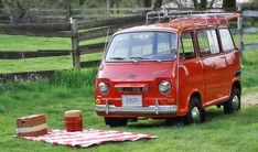 Picnic w/ Stanley - A 1970 Subaru 360 Sambar Vw Hippie Van, Classic Japanese Cars, Subaru Cars, Miniature Cars, Cool Vans, Subaru Outback, Japan Cars, Mini Trucks, Ex Machina