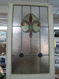 Cottage Style Fleur de Lis Stained Glass in