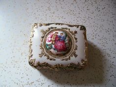 Vintage Dresser Box Victorian Cameo Jewelry Trinket with Hinged Lid