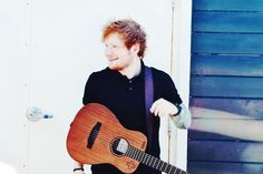Ed in seattle private performance by the ocean!! 8.31.13 <<<<<< I'D LIKE TO SEE THAT PLEASE GET ON THAT PAPARAZZI.