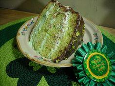 Comfy Cuisine: Pistachio Pudding Cake