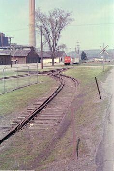 RRPictureArchives.Net Image, Copyright Jerry Krueger, New Castle PA Industrial Trackage, 1991.