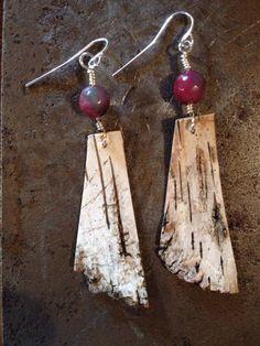 Birch bark earrings More Tree Bark Crafts, Birch Bark Crafts, Driftwood Jewelry, Wooden Jewelry, Handmade Jewelry, Wooden Earrings, Diy Earrings, Birch Bark Baskets, Pinterest Crafts