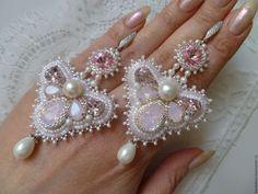 """Купить Серьги """"Gentle touches"""" - бледно-розовый, длинные серьги, нарядные серьги, украшение на выпускной"""