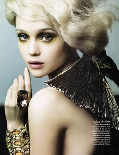 Rosie Tupper | Sarah Silver #photography | Vogue Mexico June 2010
