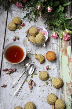 Macarons, Minis, Pistachio, Sweet Recipes, Greedy People, Macaroons