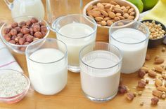 Whatever your favorite dairy free milk, it is so easy to make them from home! This recipe is easily adaptable to whatever food sensitivities you may have. Sans Lactose, Lactose Free, Gluten Free, Milk Alternatives, Healthy Alternatives, Healthy Foods To Eat, Healthy Recipes, Healthy Habits, Dessert Sans Gluten