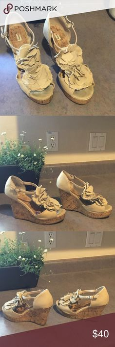 Olsenboye wedge shoes Adorable Olsenboye wedge shoes. Size 7M. They are gently used but in great condition. Olsenboye Shoes Wedges