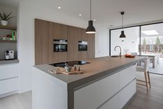 wit met betonlook Dining Area, Kitchen Dining, Kitchen Decor, Interior Styling, Interior Design, Functional Kitchen, Modern Kitchen Design, Kitchen Organization, Home And Living