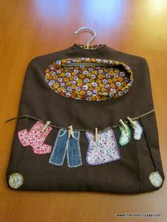 Clothes line/clothes pin holder Sewing Crafts, Sewing Projects, Clothespin Bag, Peg Bag, Clothes Line, Kirchen, Embroidery Applique, Vintage Looks, Needlework