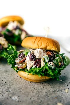 Delicious, fast & easy to make, LOW CALORIE chicken salad sandwiches with no mayo and no Greek yogurt. Ten minutes prep time!