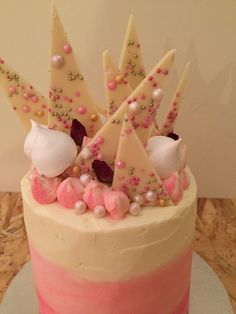Pretty Cakes, How To Make Cake, Sugar, Desserts, Food, Beautiful Cakes, Tailgate Desserts, Deserts, Essen
