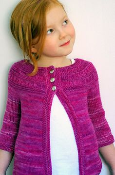 Tiny Tea Leaves Cardigan ~ I am so all over this if Anita has a girl!!