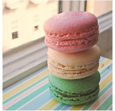 Like and Repin if you like macaroons!