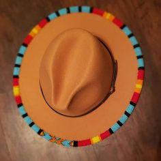 Native Beading Patterns, Beaded Jewelry Patterns, Bead Jewelry, Bead Patterns, Jewlery, Sewing Patterns, Beaded Hat Bands, Beaded Shoes, Beading Projects