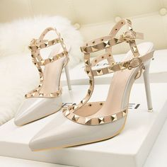 Object Type: Heel Sandals Heel Height: 10 CM (> 3 inch) Closure Type: Buckle Outsole Material: Rubber Upper Material: PU Coating Material: Microfiber Fashion Aspect: Studded Toe Shape: Pointed Toe Occasion: Casual Period: Spring/Summer/Autumn Colors: Gray, Pictures, Red, Black, Purple, Burgundy #promheelsstilettos #promheelsneutral #promheelslace #promheelssilver #promheelssilver #promheels3inch