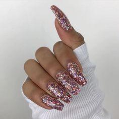 Sparkle acrylic nails, coffin nails glitter, gliter nails, chunky glitter n Gliter Nails, Coffin Nails Glitter, Pink Glitter Nails, Sparkly Acrylic Nails, Chunky Glitter Nails, Glitter Boots, Sparkles Glitter, White Glitter, Stiletto Nails