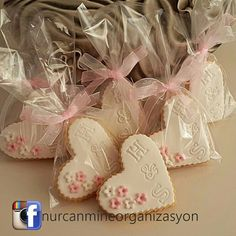 Fianáin Word: - Essential International Milis Recipes In Irish Fondant Cookies, Royal Icing Cookies, Sugar Cookies Recipe, Cupcake Cookies, Shabby Chic Birthday Party Ideas, Biscuit Decoration, Wedding Cake Cookies, Cookie Packaging, Engagement Cakes
