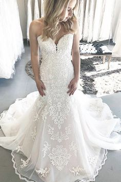Mermaid wedding dress in ivory color with boutique cathedral train,featuring with gorgeous appliques in dress. How To Dress For A Wedding, Wedding Dress Train, Classic Wedding Dress, Trumpet Style Wedding Dress, Weeding Dress, Western Wedding Dresses, White Wedding Dresses, Bridal Dresses, Wedding Gowns