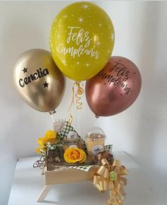 Diy Birthday Box, Birthday Brunch, Happy Birthday, Diy Birthday Decorations, Balloon Decorations, Gift Hampers, Gift Baskets, Bubble Balloons, Relaxation Gifts
