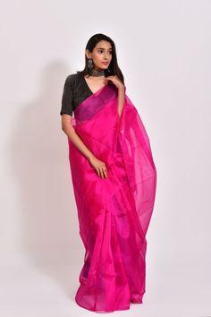 Organza Saree, Art Silk Sarees, Chiffon Saree, Silk Organza, Modern Saree, Stylish Sarees, Pleated Fabric, Saree Look, Traditional Fashion