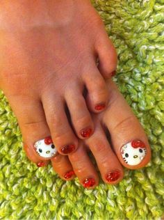 Hello Kitty Toes for K